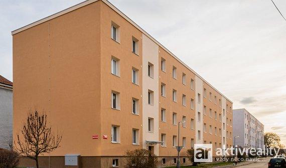 Prodej, cihlový byt 2+1 před rekonstrukcí, Mělník