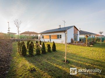 Prodej krásného domu 3+kk 88 m2 na pozemku 702 m2, Postřižín