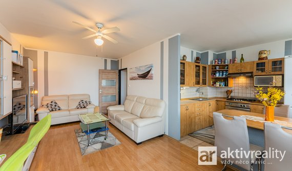 Prodej bytu 3+kk, 79 m2,  Na Skalkách, Neratovice, 2 lodžie