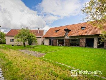 Prodej velké rodinné usedlosti, Zlonín - okr. Praha-Východ, pozemek 1.918 m2, hypotéka možná