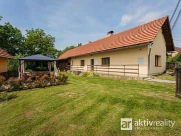 Rodinný dům 4+kk, 97 m², pozemek 1 535 m2, po rekonstrukci, Lično - Bačalky