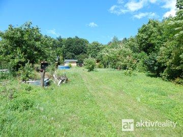Prodej, pozemek 1023 m2 s chatou, možná výstavba RZ zast. plocha 50 m2 - Most