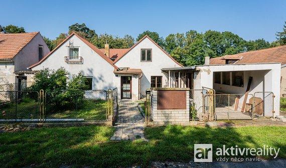 Rodinný dům 4+1, 130m², pozemek 727 m2 - Doksany