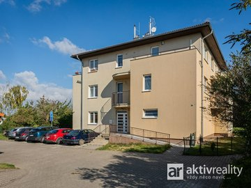 Byty 2+kk, 56 m², zahrada, 2x garáž, Praha - Vinoř