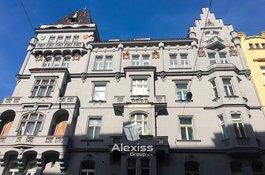 Prodej bytu 4+1, 100 m2 s balkonem, v OV, Praha 1