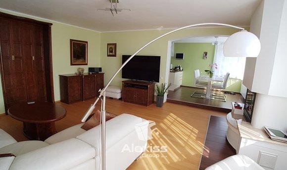Prodej, Rodinné domy, 286 m² - Praha - Horní Počernice