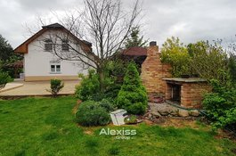 Prodej rodinného domu - 5+1, 153 m2, pozemek 1171 m2, garáž, bazén, jezírko, Kladno