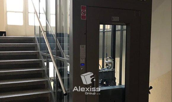 5 května výtah