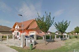 Nabízíme prodej rodinného domu 6+kk , Šestajovice Praha východ