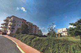 Nabízíme k prodeji byt v OV, 3+kk/2x B, Praha - Horní Měcholupy