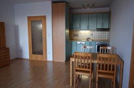 Pronájem bytu 2 + KK/L, 60 m2, park. stání, Názovská, Praha 10