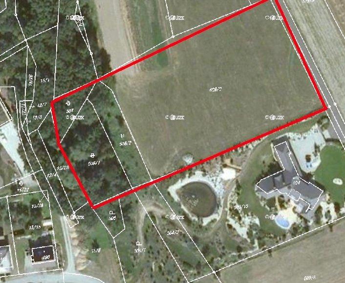 Prodej pozemku v obci Nemile, vhodný k výstavbě