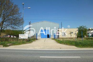 Pronájem haly 1100 m2 s jeřábem 3,2 t a volnou plochou 1300 m2, Ev.č.: BK140861-1