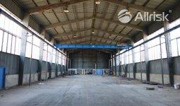 Pronájem haly 1100 m2 s jeřábem 3,2 t a volnou plochou 1300 m2