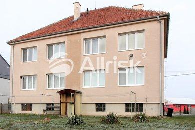 Prodej vybaveného bytu 3+kk s garáží, Ev.č.: BK120823