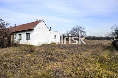 Prodej pozemku pro bydlení 700 m2, Ev.č.: BK130858