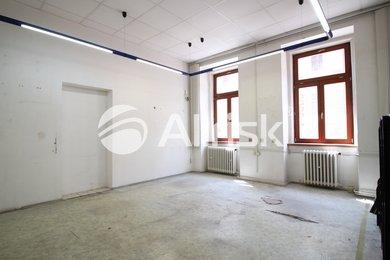 Pronájem přízemního kancelářského celku 140 m2, Ev.č.: BK140818-1