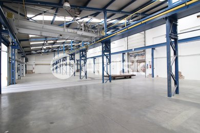 Pronájem výrobní haly 1543 m2 s jeřáby 2,4 t + 5 t, Ev.č.: BK140917