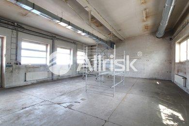 Pronájem vytápěné dílny se zázemím 153 m2, Ev.č.: BK140918