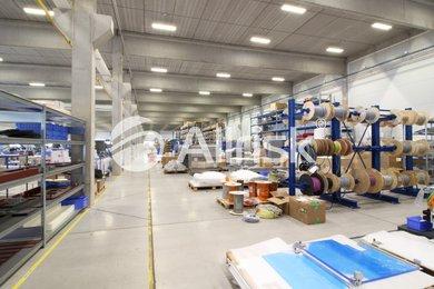Pronájem vytápěné skladově-výrobní haly 1800 m2, Ev.č.: BK140847-2