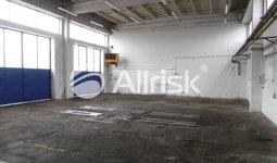 Pronájem vytápěné dílny s kancelářemi 500 m2 a volnou plochou 500 m2