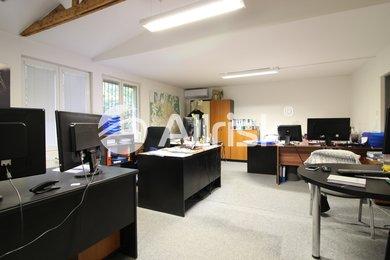 Prodej komerčního objektu 1000 m2 s pozemkem 3300 m2, Ev.č.: BK140933-2