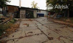 Prodej komerčního pozemku 3300 m2 s objektem 1000 m2