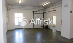 Pronájem skladu/dílny 189 m2 s kancelářemi a zázemím 116 m2
