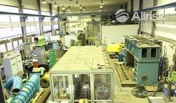 Pronájem výrobní haly 1150 m2 s jeřábem 5t a kancelářemi a venkovní plochou 1500 m2