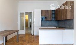 Prodej bytu 3+kk, ul. Stěpánská, 96m²