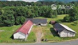 Prodej zemědělské usedlosti s pozemky o rozloze 4174m². Čeladná