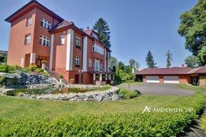 Prodej nádherné vily s dvěmi bytovými jednotkami, , 6+1 a 4+1, CP 5135 m2, Ev.č.: 29408