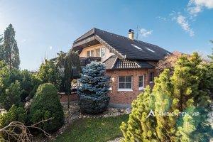 Prodej, Rodinný dům 8+kk, bazén, vířivka, naprosté soukromí, pozemek  1.621m2- Rebešovice, Ev.č.: 29558
