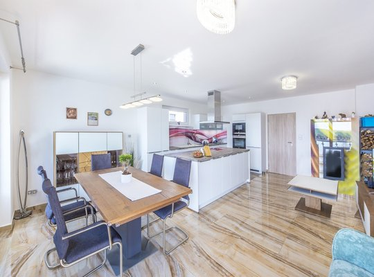 Prodej, Rodinné domy, 198m² - Veverské Knínice