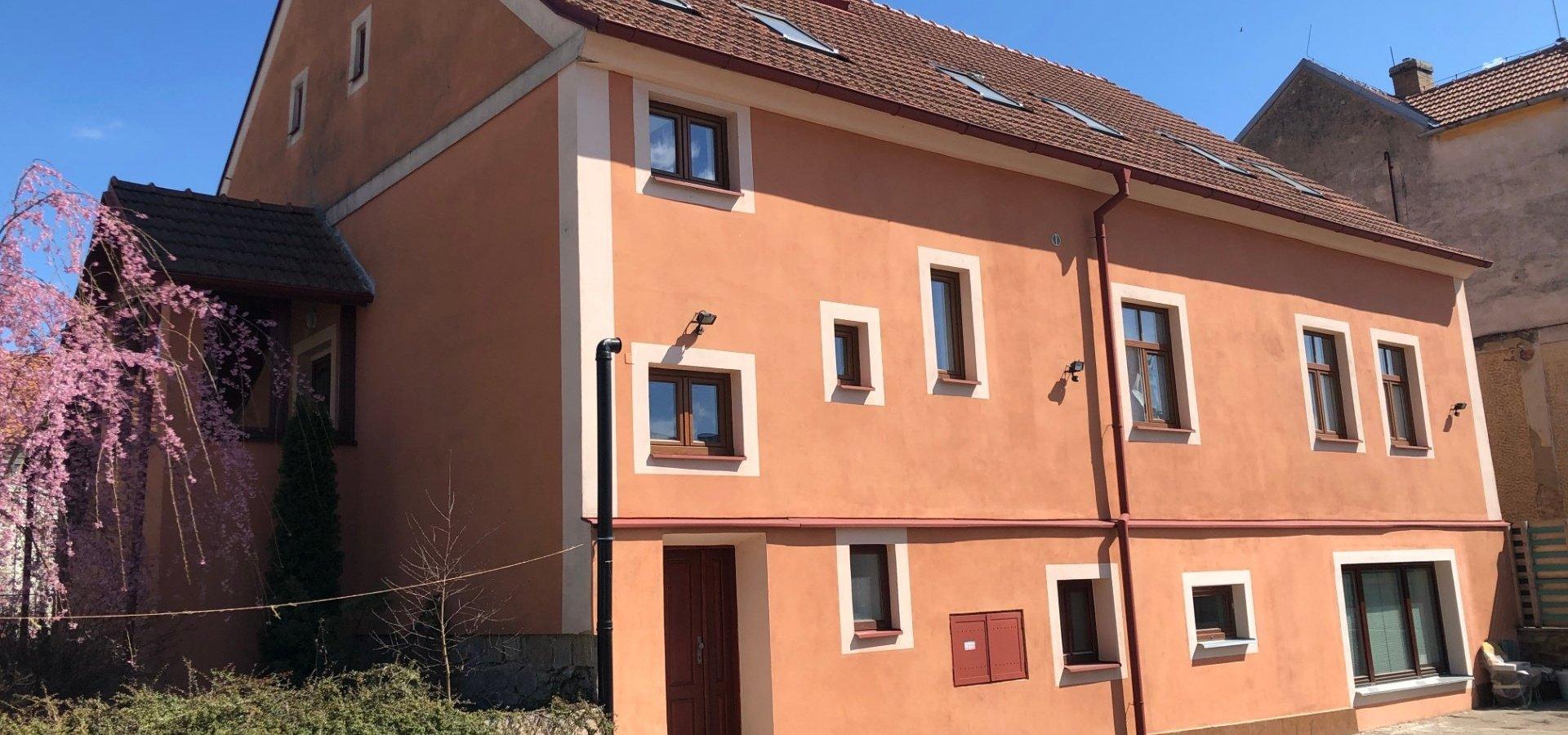 prodej-rodinneho-domu-na-bydleni-i-investici-477m2-telc-img-6160-af8bea