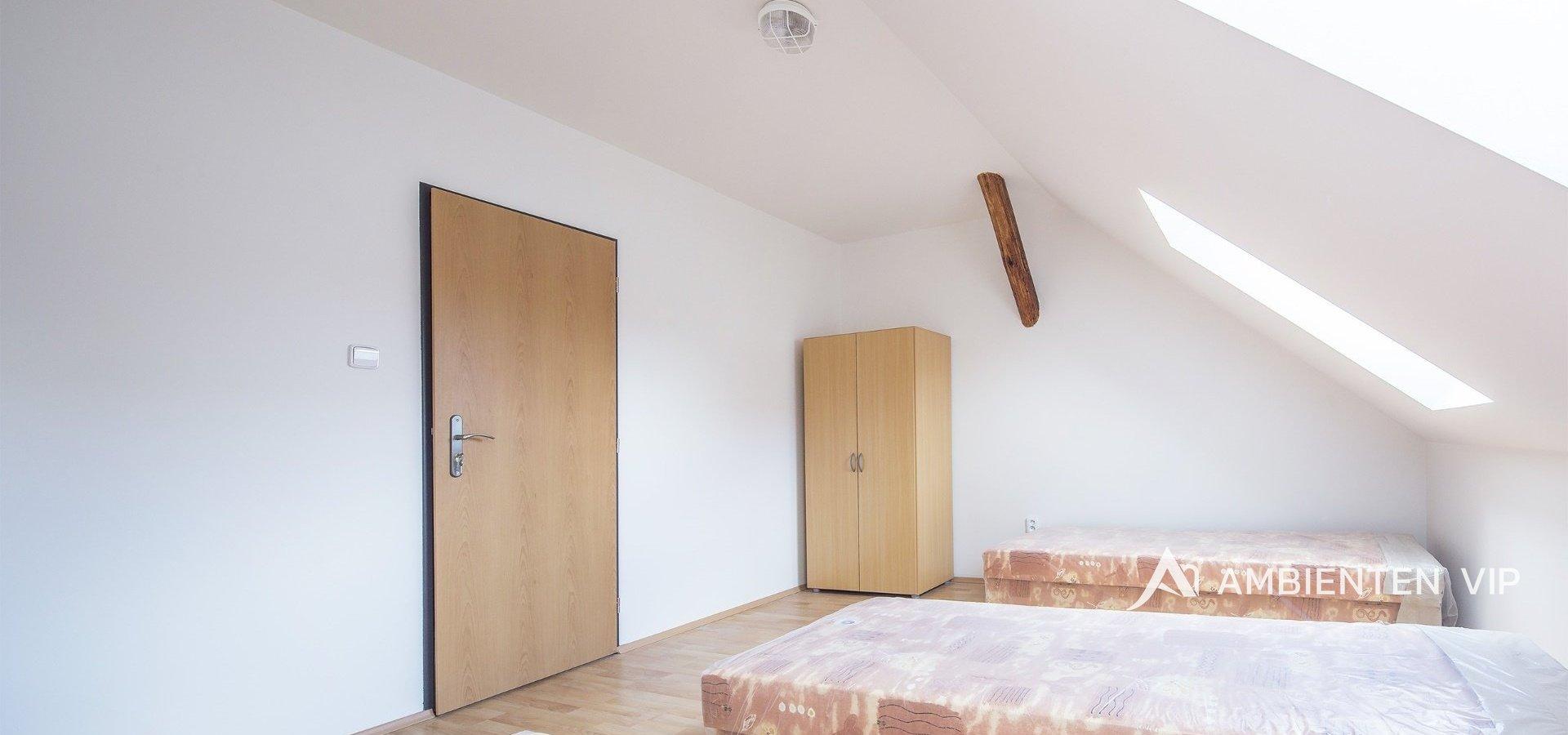 prodej-rodinneho-domu-na-bydleni-i-investici-477m2-telc-16merge-0e8f52