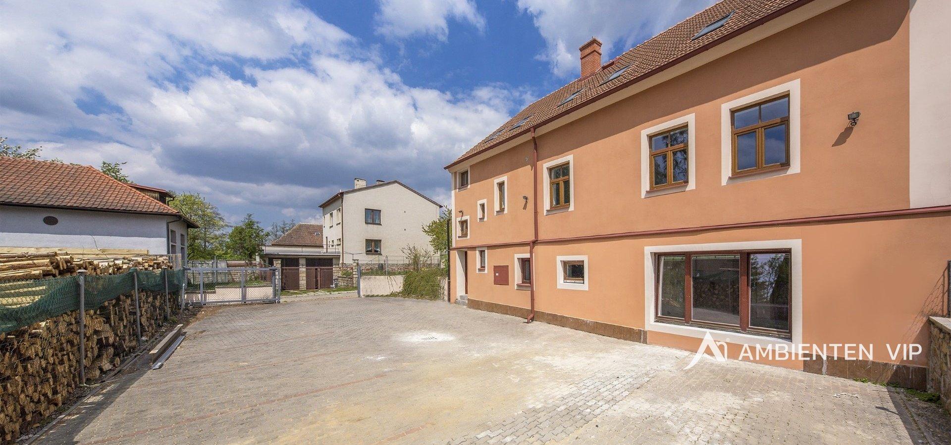 prodej-rodinneho-domu-na-bydleni-i-investici-477m2-telc-9merge-235f0e