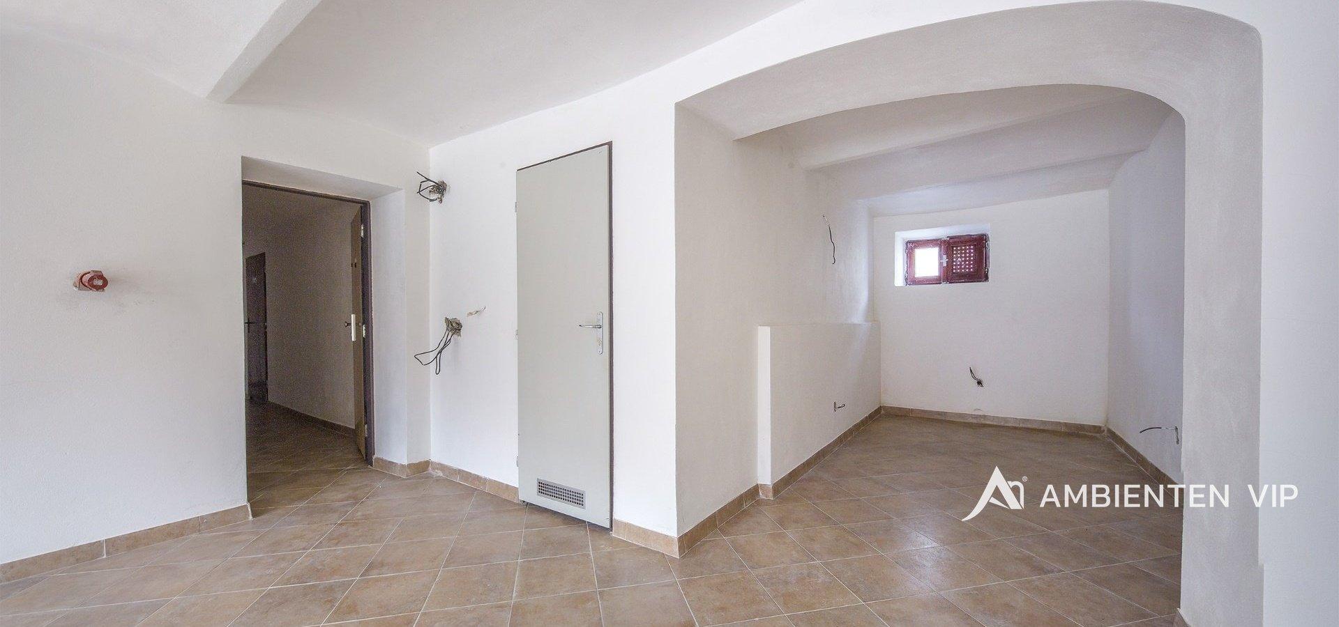 prodej-rodinneho-domu-na-bydleni-i-investici-477m2-telc-33merge-494c7c