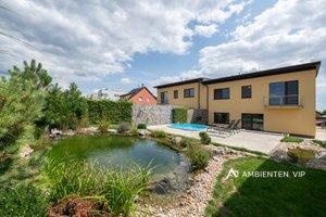 Prodej luxusního RD s bazénem, UP 240 m², pozemek 594 m², Moravany, okres Brno-venkov, Ev.č.: 29712