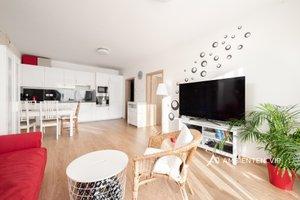 Prodej luxusního bytu 2+kk s privátní terasou, užitná plocha 51 m2, sklep, ulice Sochorova, Brno, Ev.č.: 29738