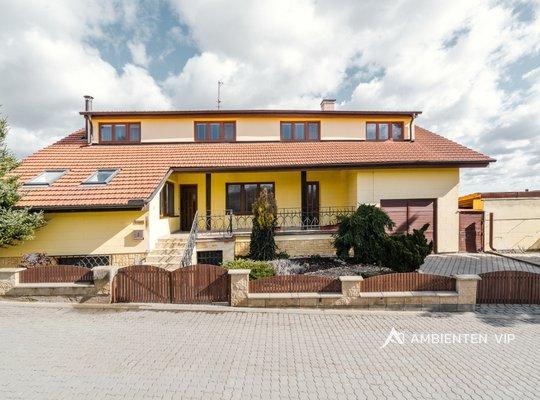 Prodej, Rodinné domy, 422m² - Moravany