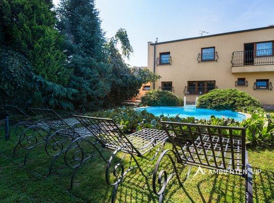 Sale, Houses Family, 220m² - Znojmo - Načeratice