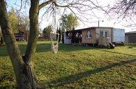 Prodej okrasné zahrady s mobilním domem