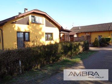Rodinný dům s prostornou  doplňkovou stavbou a zahradou