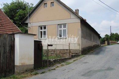 Prodej rodinného domu 551m² - Rohy, Ev.č.: 00219