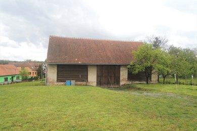 Prodej stavebního pozemku se stodolou, 889 m2, Svatoslav, okr. Brno-venkov, Ev.č.: 00239
