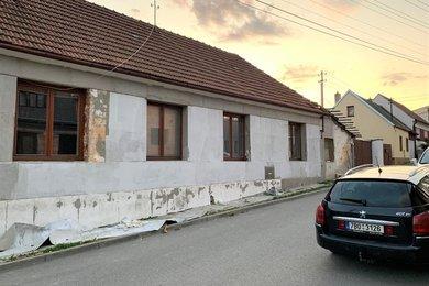 Prodej rodinného domu 4+1 240 m² - Zbraslav u Brna, okres Brno venkov, Ev.č.: 00240