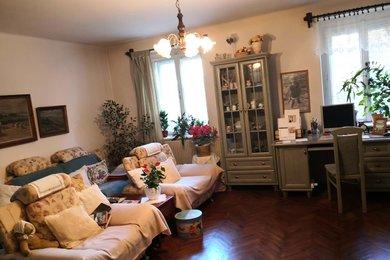 Prodej bytu 4+1 o velikosti 109 m² s dílnou a možností využití zahrady, Ev.č.: 00348