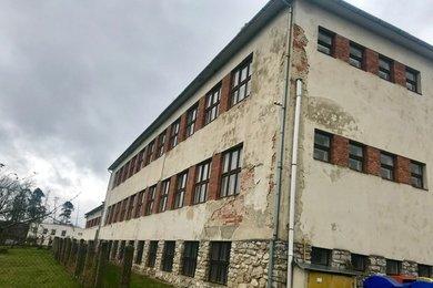Prodej,  komerční nemovitosti, bývalá škola, celková plocha 4.200 m2,  Bítov u Znojma, Ev.č.: 00353
