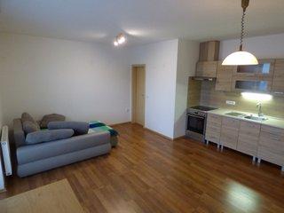 Pronájem bytu 2+kk s balkonem, Náměšť nad Oslavou